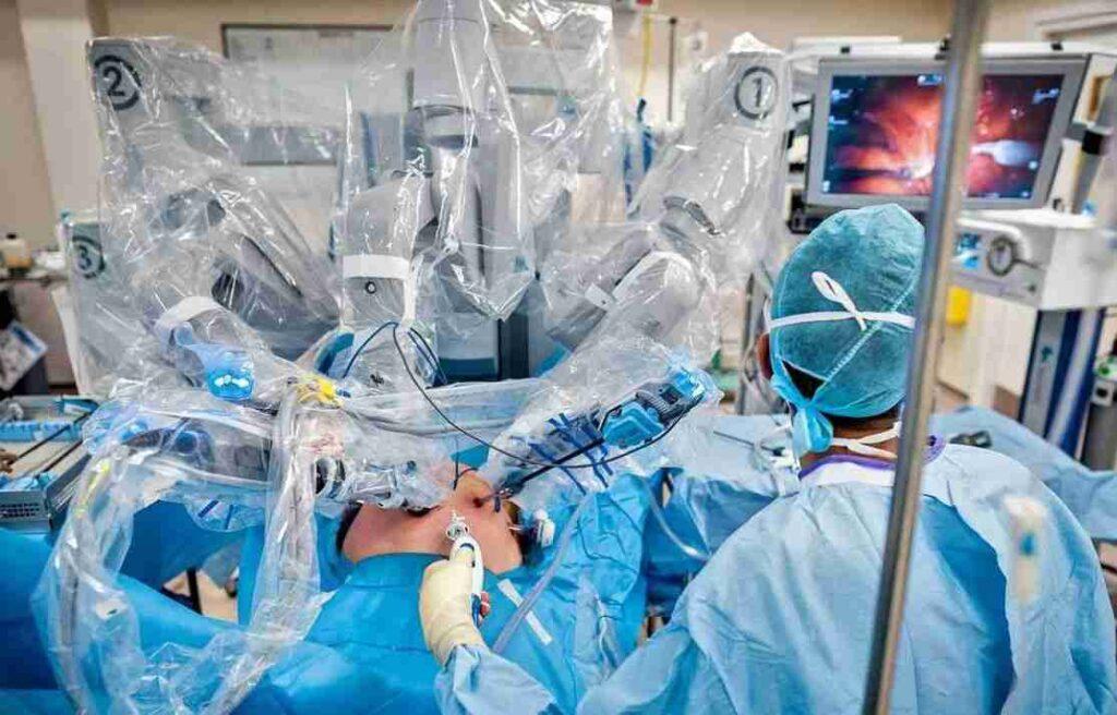 عمل قلب بسته با استفاده از ربات