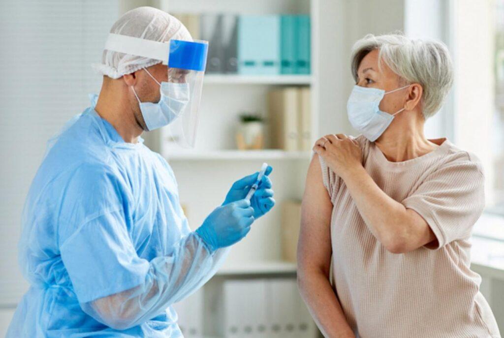 عوارض واکسن کرونا در بیماران قلبی