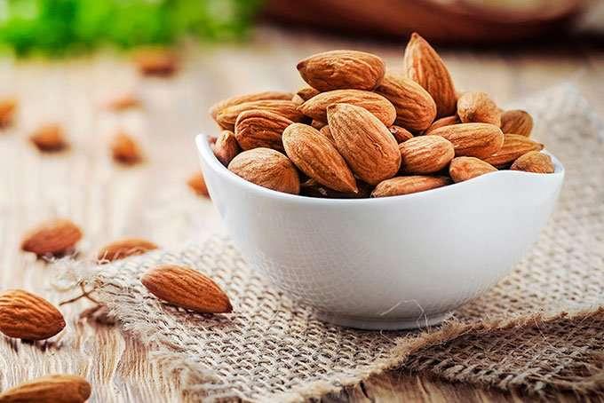 درمان درد قلبی با مصرف بادام