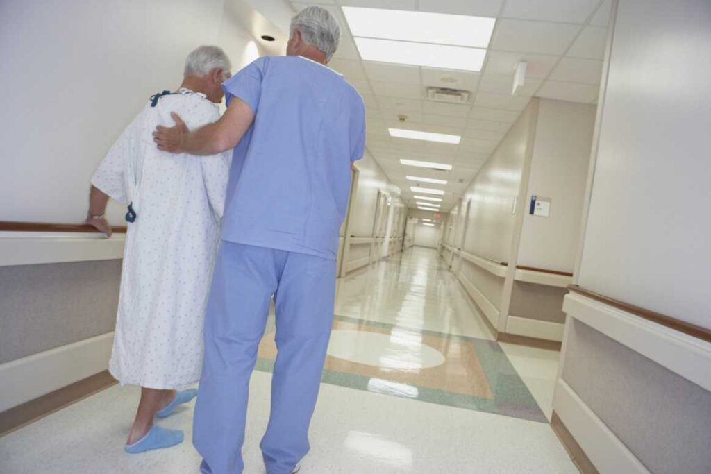 مراقبت های بعد از عمل قلب باز در ICU