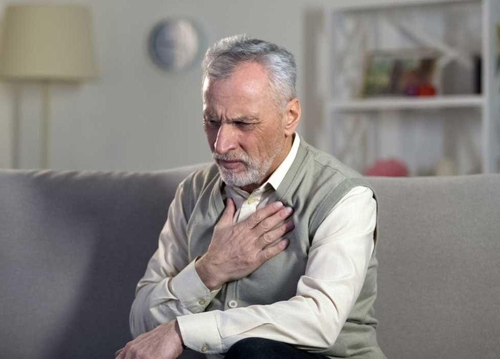 علائم بیماری دریچه آئورت چیست؟